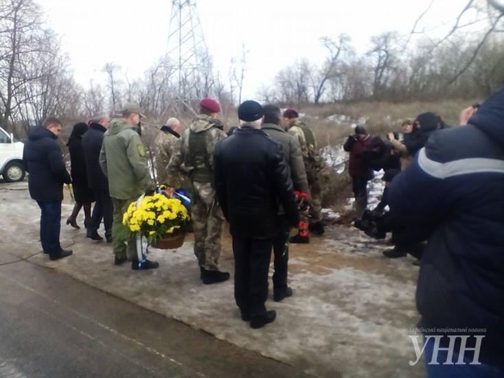 В Донецкой области почтили память погибших год назад под Волновахой