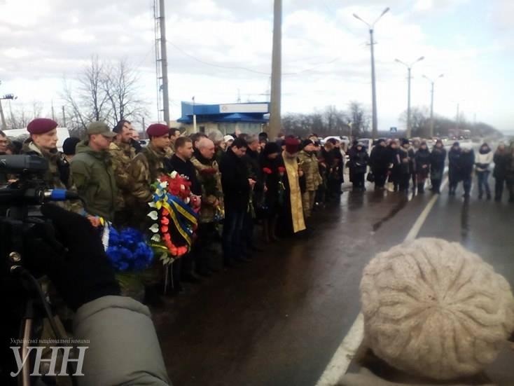 В Донецкой области почтили память погибших год назад под Волновахой3