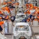 Компания Mercedess отказалась от применения роботов для сбора автомобилей.
